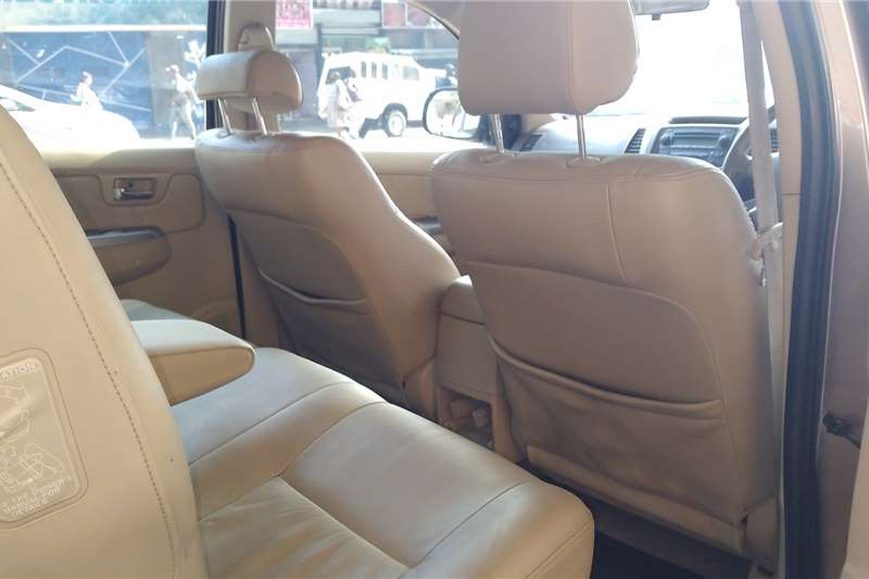 Toyota Fortuner 3.0D 4D 4x4 Heritage Edition automatic 2007