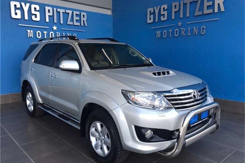 Toyota Fortuner 3.0D 4D 4x4 Heritage Edition automatic 2012