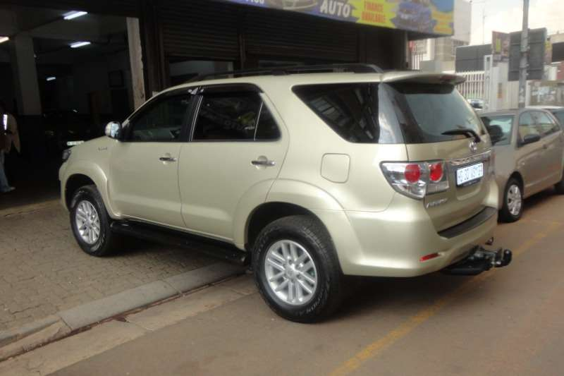Toyota Fortuner 3.0D 4D 4x4 Limited 2009