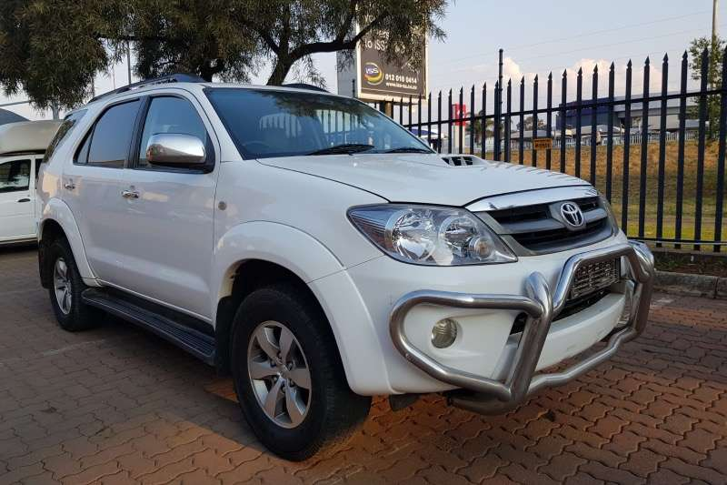 Toyota Fortuner 3.0D 4D 4x4 Limited 2010