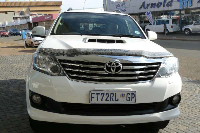 Toyota Fortuner 3.0D 4D A/T 2012