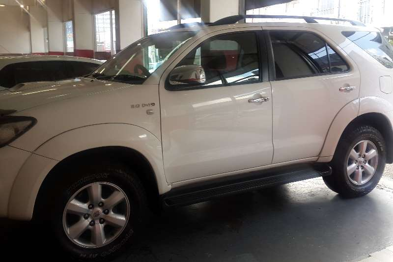 Toyota Fortuner 3.0D 4D automatic 2009