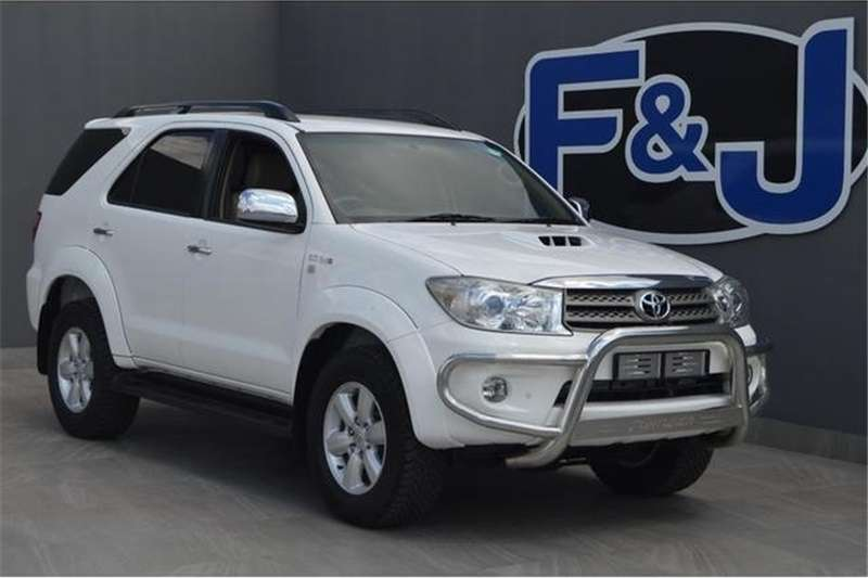 Toyota Fortuner 3.0D-4D automatic 2011