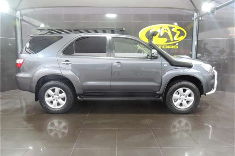 Toyota Fortuner 3.0D 4D automatic 2011