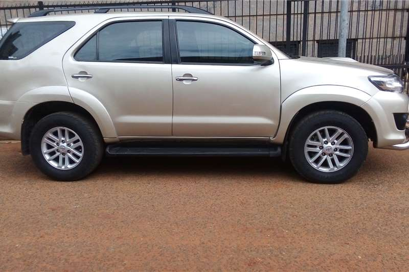 Toyota Fortuner 3.0D 4D automatic 2014