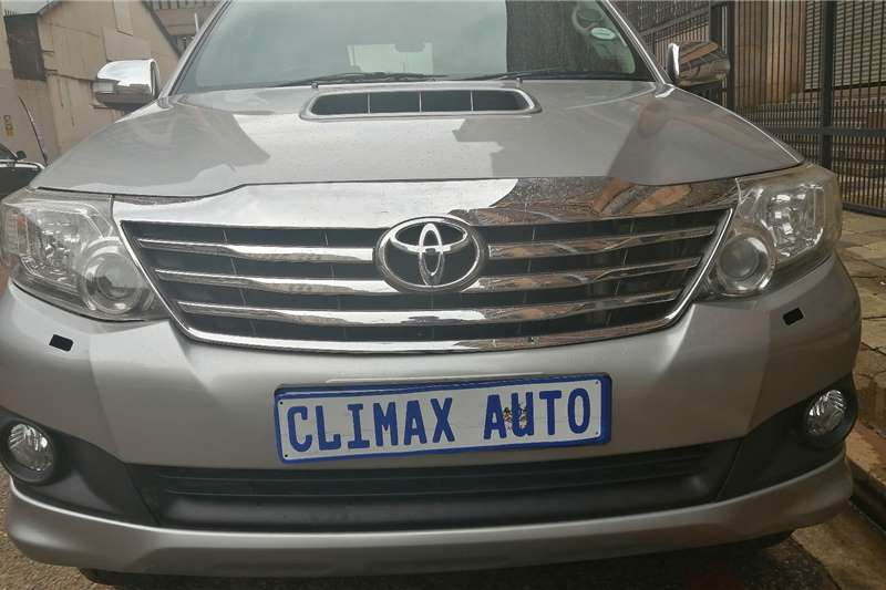 Toyota Fortuner 3.0D 4D automatic 2015