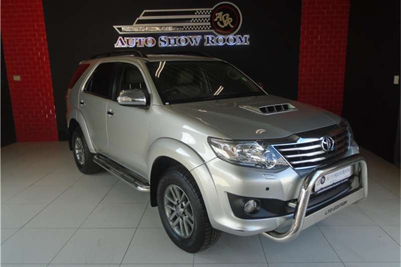 Toyota Fortuner 3.0D 4D Heritage Edition automatic 2013