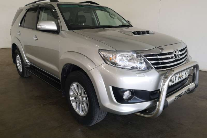Toyota Fortuner 3.0D 4D R/B A/T 2014