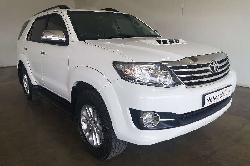 Toyota Fortuner 3.0D 4D R/B A/T 2015