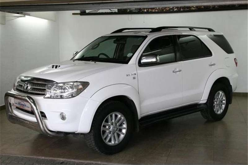 2011 Toyota Fortuner 3.0D 4D 4x4 automatic