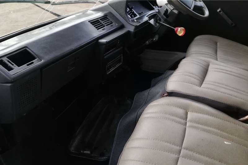 Toyota Hi-Ace 2200 Siyaya 2002