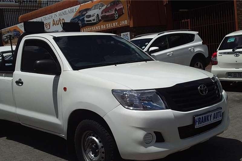 Toyota Hilux 2.0 2015
