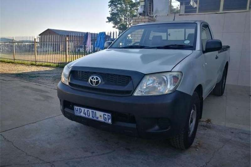 Toyota Hilux 2.0 chassis cab 2011
