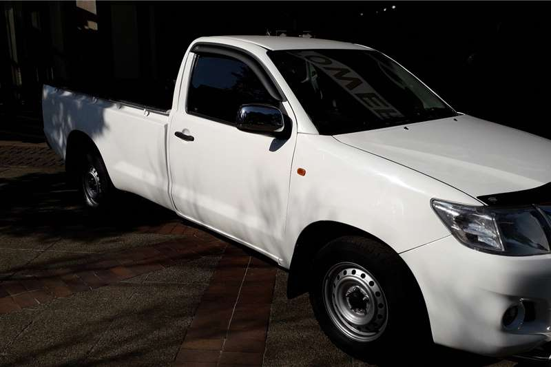 Toyota Hilux 2.0 chassis cab 2014