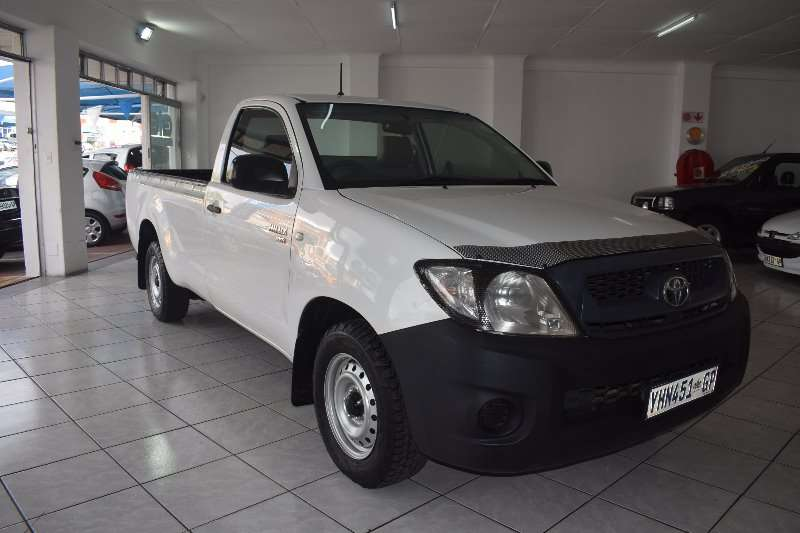 Toyota Hilux 2.0 VVTi (One owner) 2009