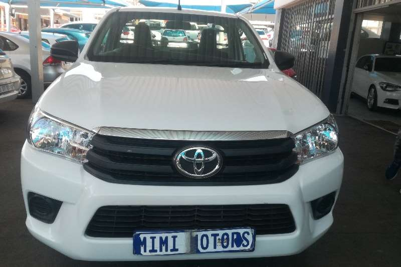 Toyota Hilux 2.4 single cab 2016
