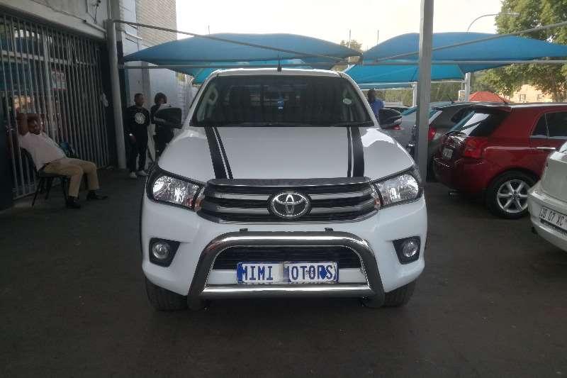 Toyota Hilux 2.4GD 6 double cab 4x4 SR 2017