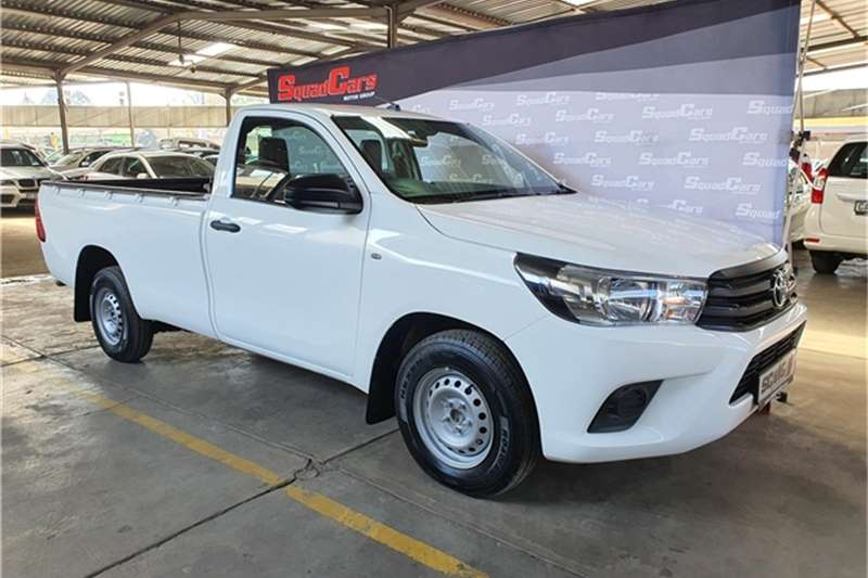 Toyota Hilux 2.4GD (aircon) 2016