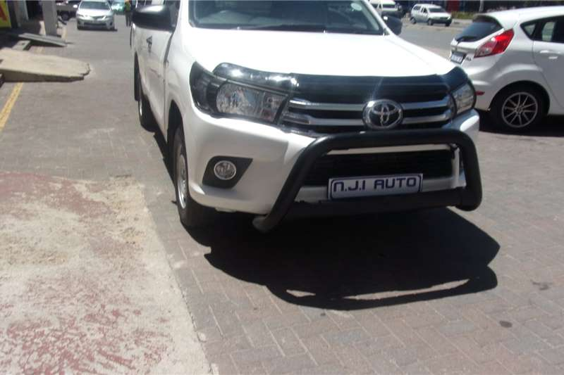Toyota Hilux 2.4GD (aircon) 2019