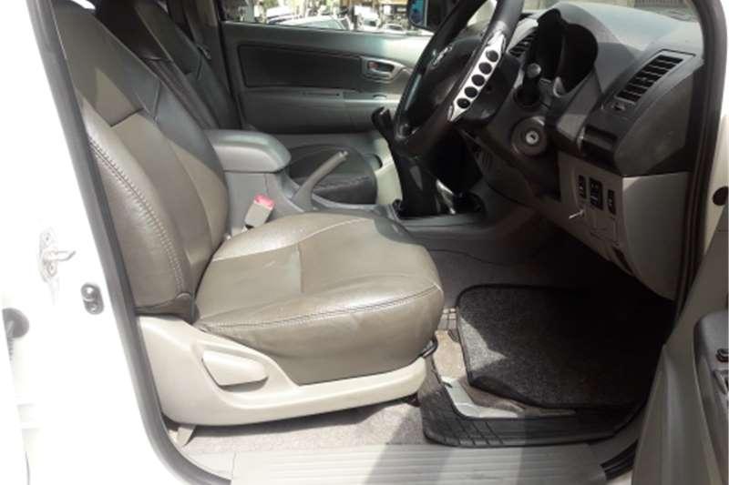 Toyota Hilux 2.5D 4D raised body SRX 2008