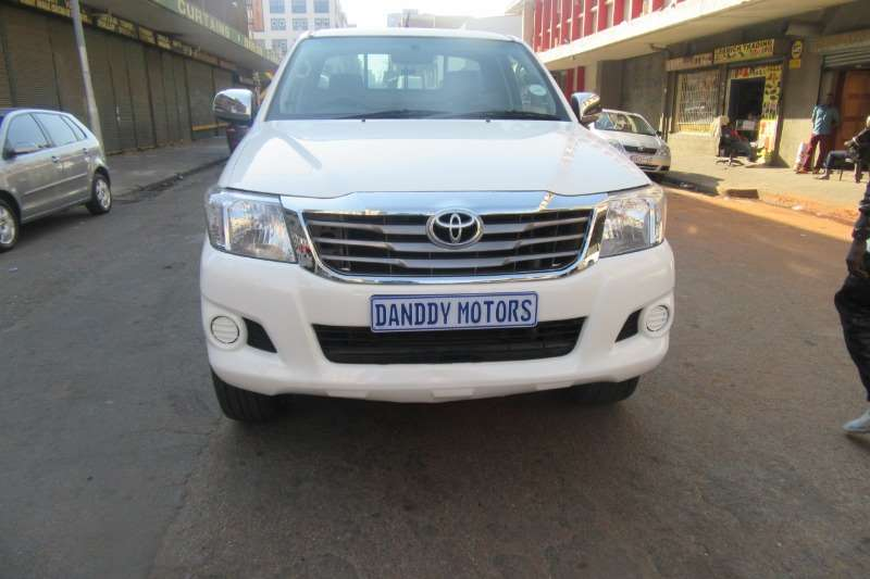Toyota Hilux 2.5D 4D raised body SRX 2011