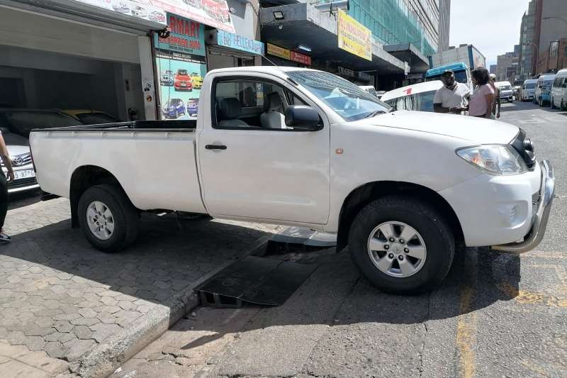 Used 2012 Toyota Hilux 2.5D 4D raised body SRX