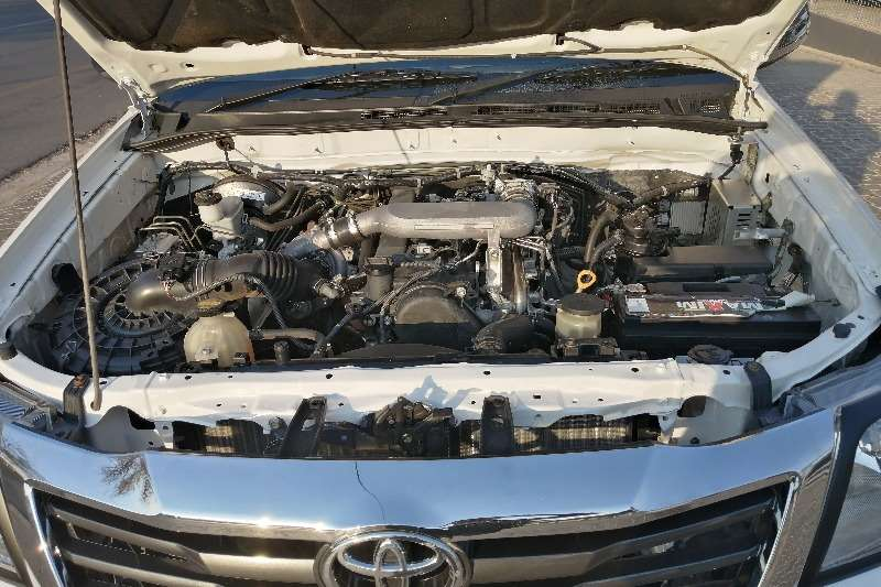 Used 2013 Toyota Hilux 2.5D 4D SRX