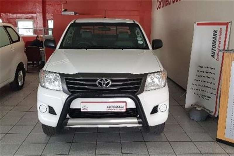 Toyota Hilux 2.5D-4D Xtra cab SRX 2015