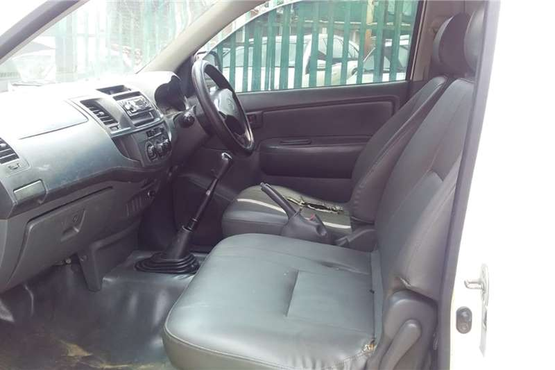 Used 2013 Toyota Hilux 2.7 4x4 SRX