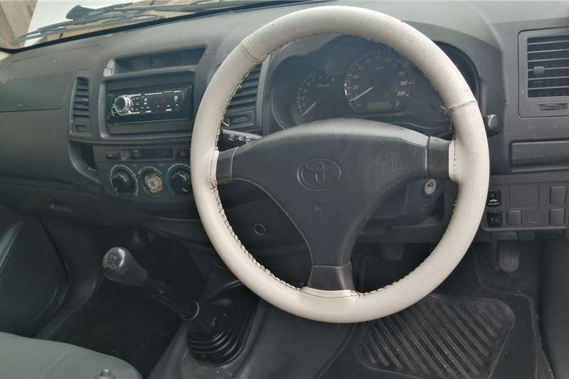 Toyota Hilux 2.7 VVTI 2013