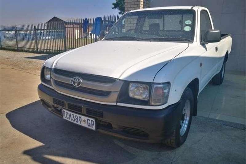 Toyota Hilux 2400D 2004
