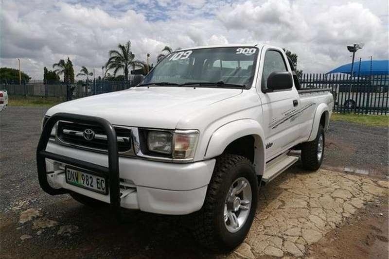 Toyota Hilux 2700i Raider 2000