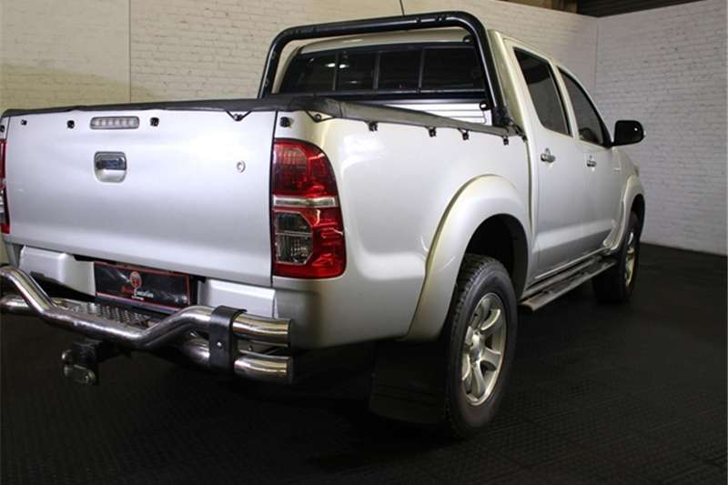 Toyota Hilux 3.0D-4D double cab 4x4 Raider auto 2012