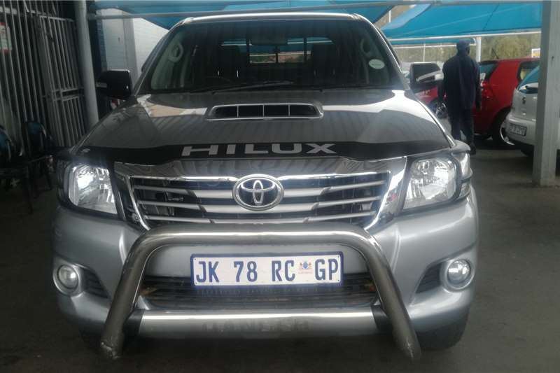 Toyota Hilux 3.0D 4D double cab 4x4 Raider Heritage Editi 2015