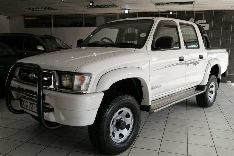 Toyota Hilux 3.0D 4D double cab 4x4 Raider (One owner) 2000