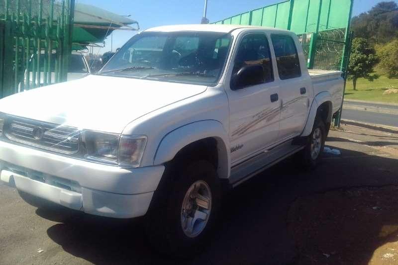 Toyota Hilux 3.0D 4D double cab Raider 2001