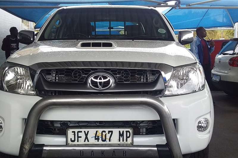Toyota Hilux 3.0D 4D double cab Raider 2011