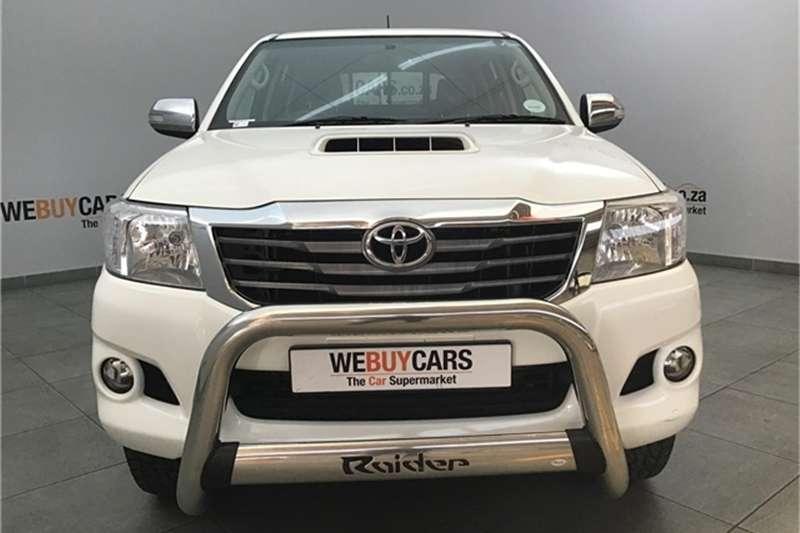 Toyota Hilux 3.0D-4D double cab Raider auto 2014