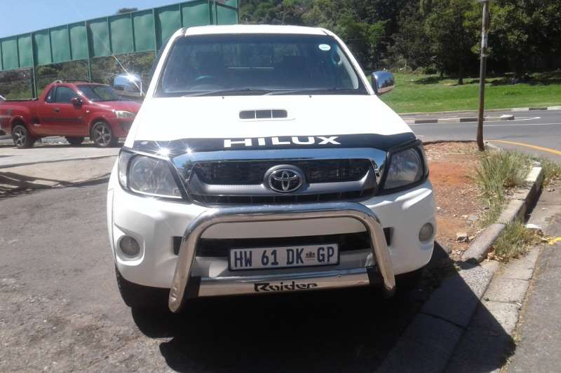 Toyota Hilux 3.0D-4D double cab Raider automatic 2010