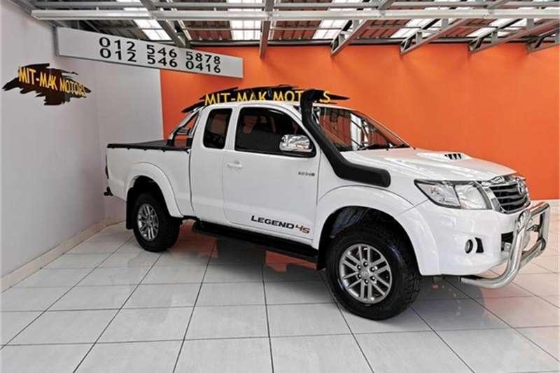 Toyota Hilux 3.0D 4D Xtra cab 4x4 Raider Legend 45 2015