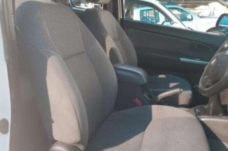 Toyota Hilux 3.0D-4D Xtra cab Raider 2012