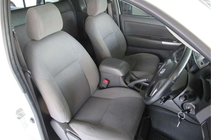 Toyota Hilux 3.0D 4D Xtra cab Raider 2014