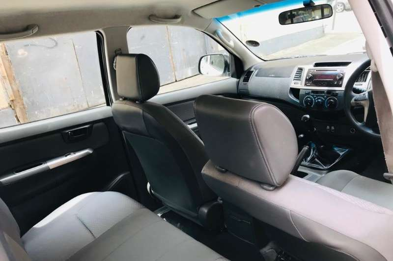 Toyota Hilux Double Cab 2016