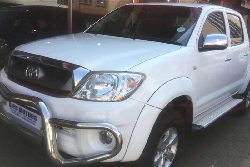 used toyota hilux double cab 2011