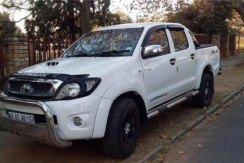 Toyota Hilux Double Cab HILUX 3.0 D 4D RAIDER 4X4 A/T P/U D/C 2011