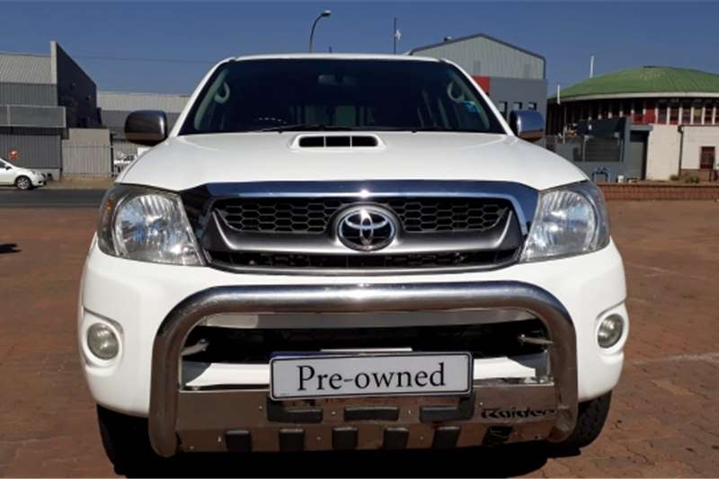 Toyota Hilux Double Cab White 2009