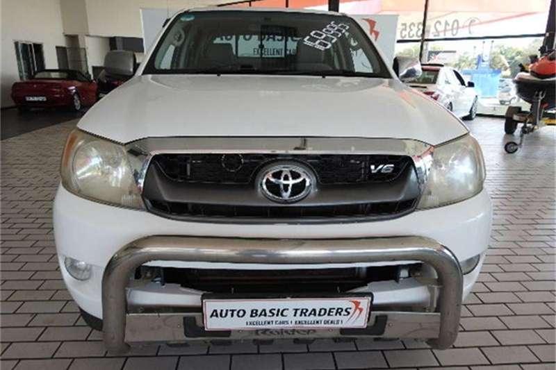 2005 Toyota Hilux V6 4.0 double cab 4x4 Raider automatic