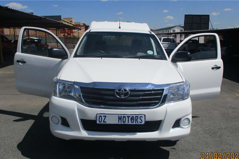 2013 Toyota Hilux 2.0 (aircon)