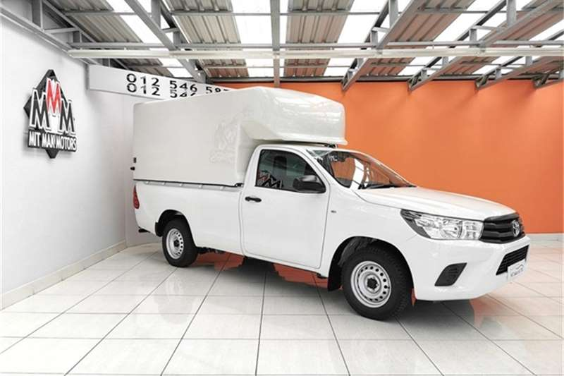 2016 Toyota Hilux 2.0 (aircon)