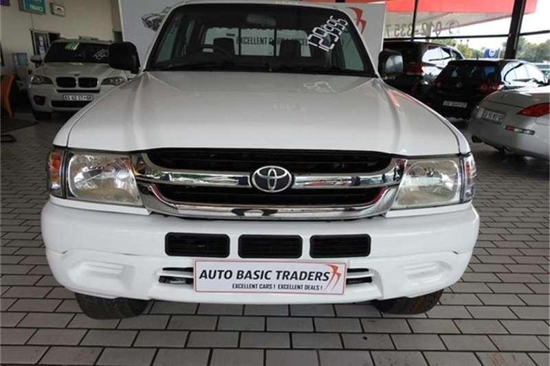 Toyota Hilux Legend 2700i R/body D/cab 2004